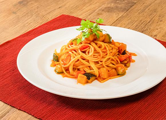 旬の野菜のトマトソースパスタ